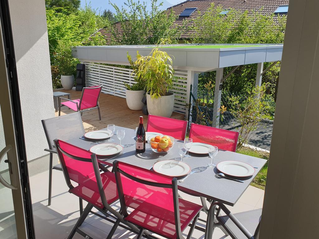 L'appartement Jardin Avec Vue Montagnes, Sévrier, France ... intérieur Restaurant Avec Jardin Ile De France