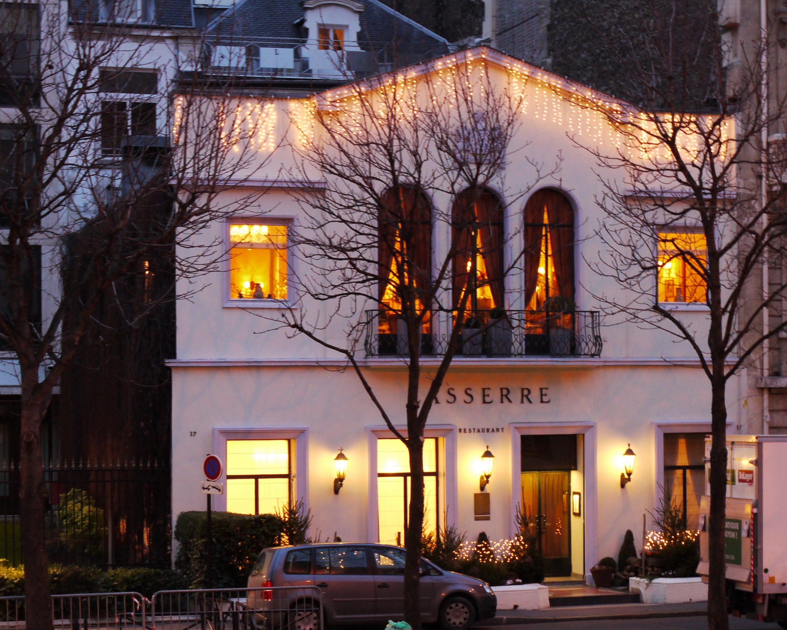 Lasserre (Restaurant) — Wikipédia dedans Restaurant Avec Jardin Ile De France