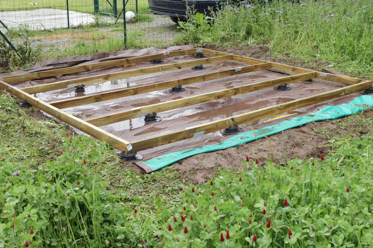 Le Blog De Fifi Et Doudou - Page 1019 intérieur Toiture Pour Abri De Jardin