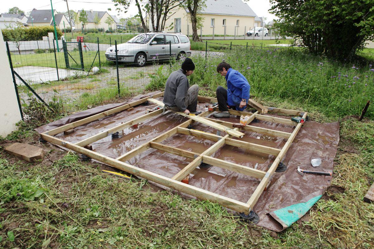 Le Blog De Fifi Et Doudou - Page 1019 tout Faire Un Plancher Pour Abri De Jardin