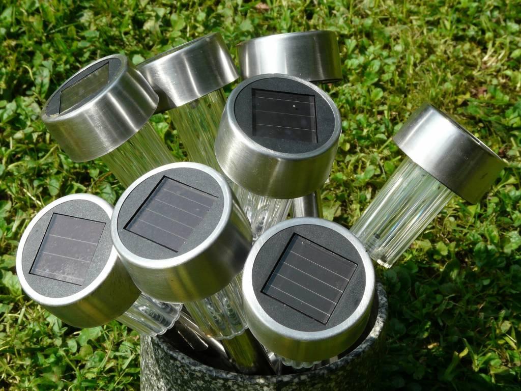 Le Boum Des Lampes Solaires : Un Bienfait Pour L'environnement ? serapportantà Pile Pour Lampe Solaire De Jardin