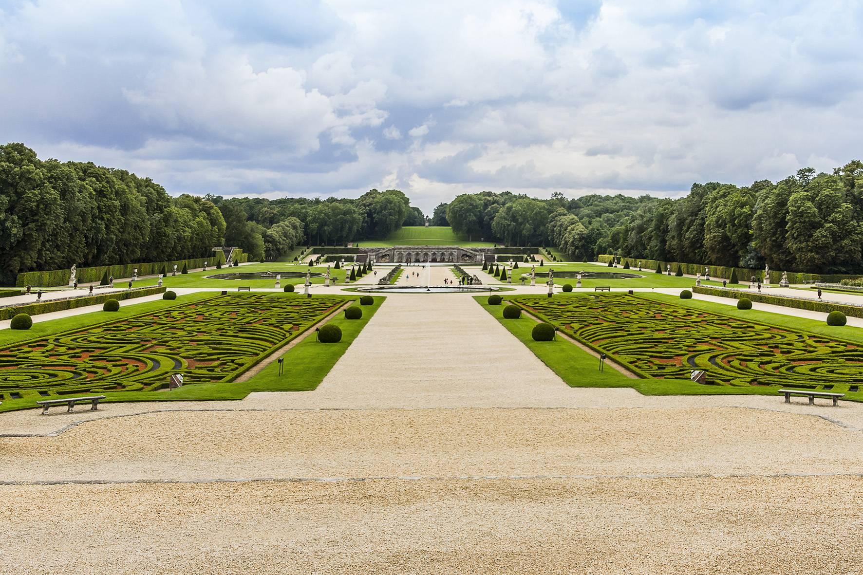 Le Jardin À La Française - Le Jardin Des Fleurs encequiconcerne Idée De Génie Jardin