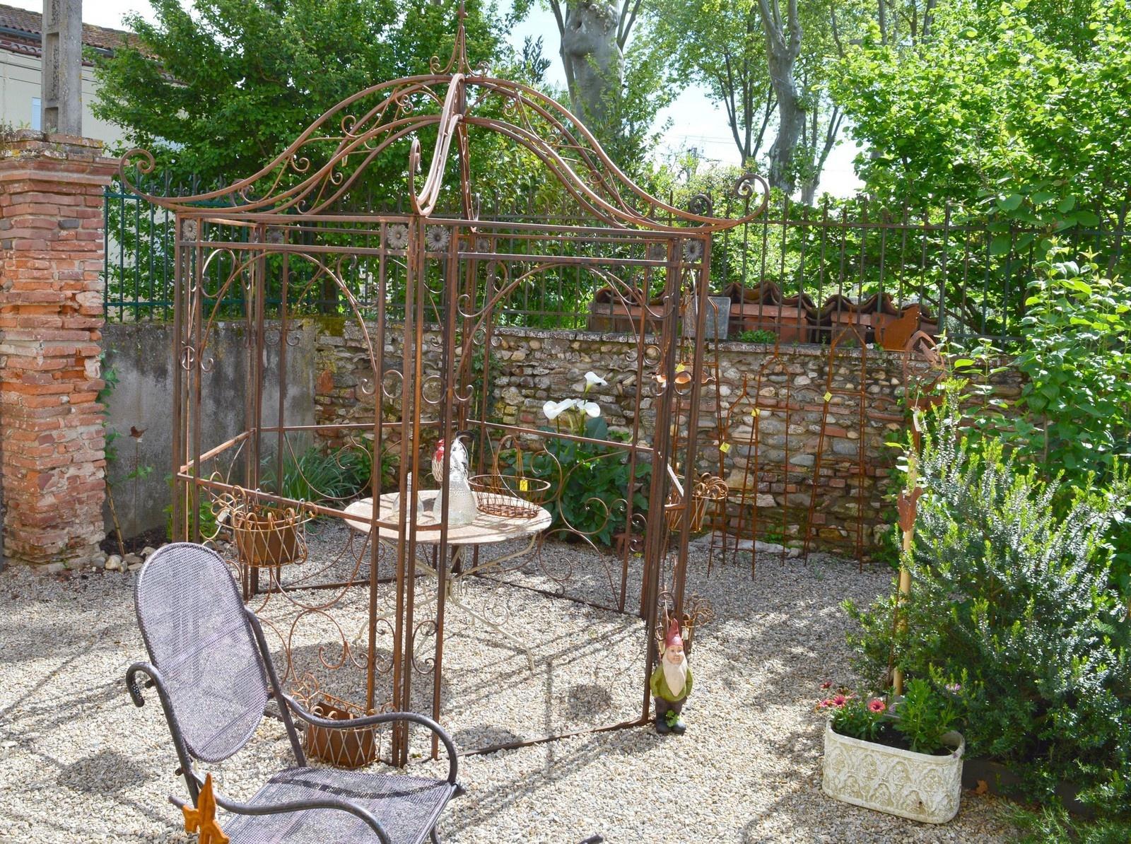 Le Jardin De Loft & Dépendances Est Ouvert - Loft ... concernant Decoration De Jardin En Fer Forgé