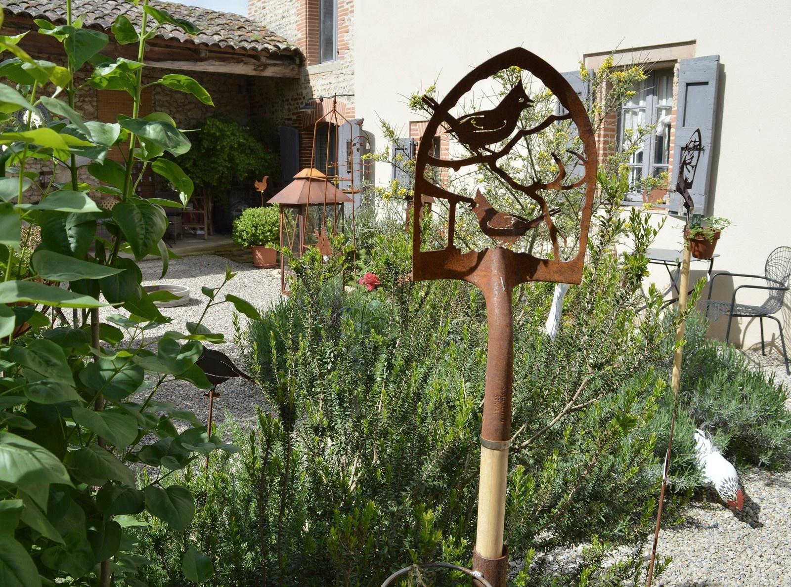 Le Jardin De Loft & Dépendances Est Ouvert - Loft ... pour Decoration De Jardin En Fer Forgé