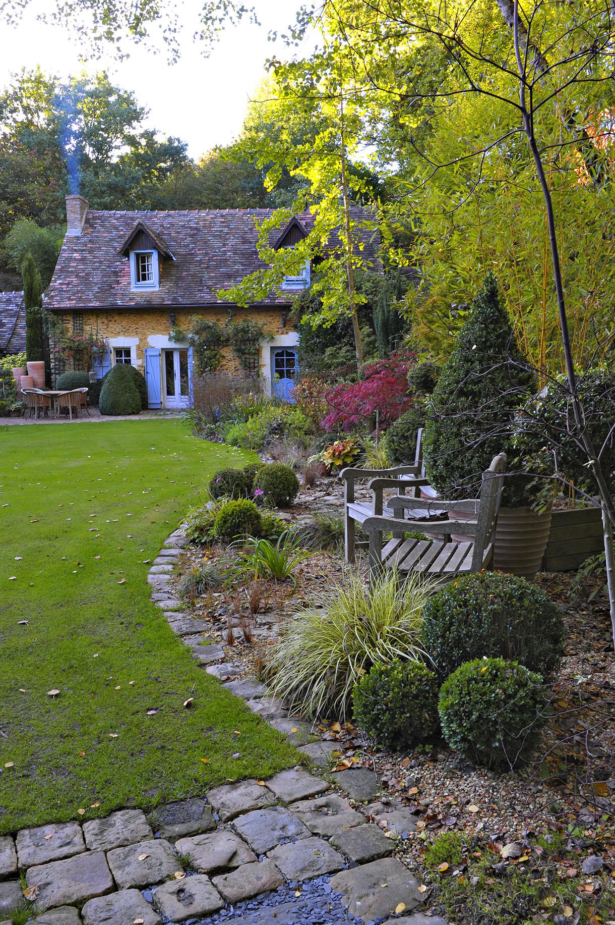 Le Jardin Du Petit Bordeaux Dans La Sarthe - Détente Jardin concernant Petite Barriere Jardin
