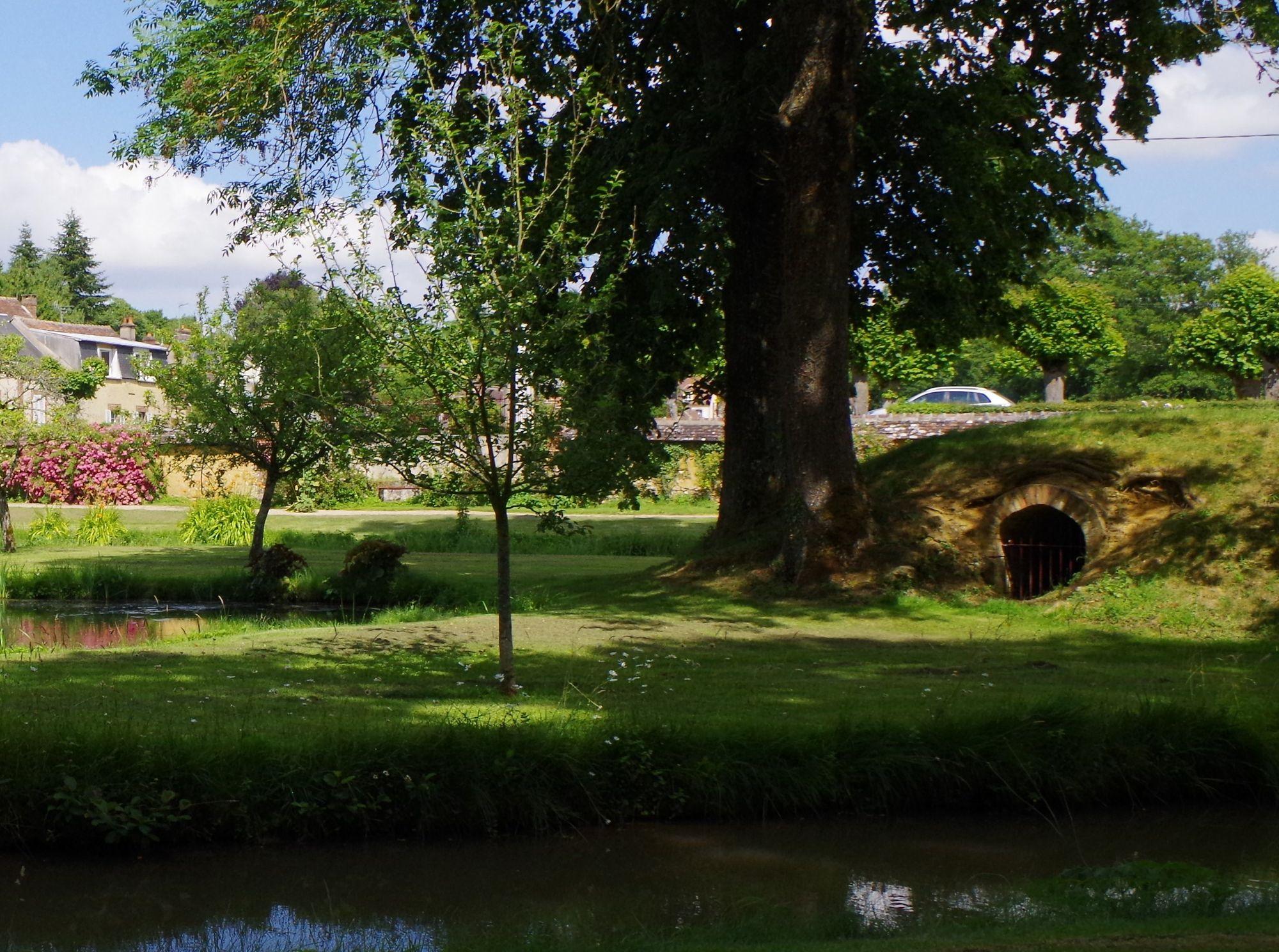 Le Jardin Ribaudin À Mezilles En Puisaye, Dans L'yonne, En ... à Idée De Génie Jardin
