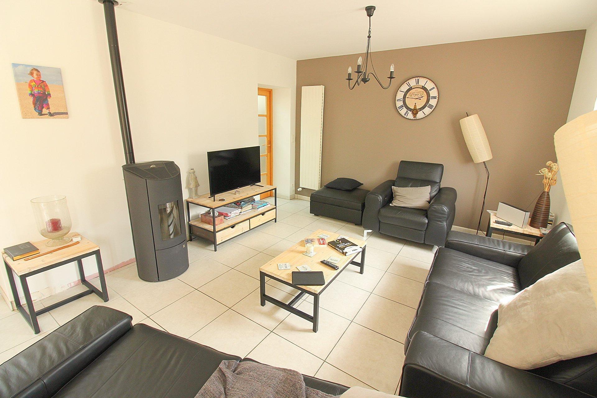 Le Mesnil-Esnard Immobilier | Maison Familiale Cléon avec Abri De Jardin 18M2