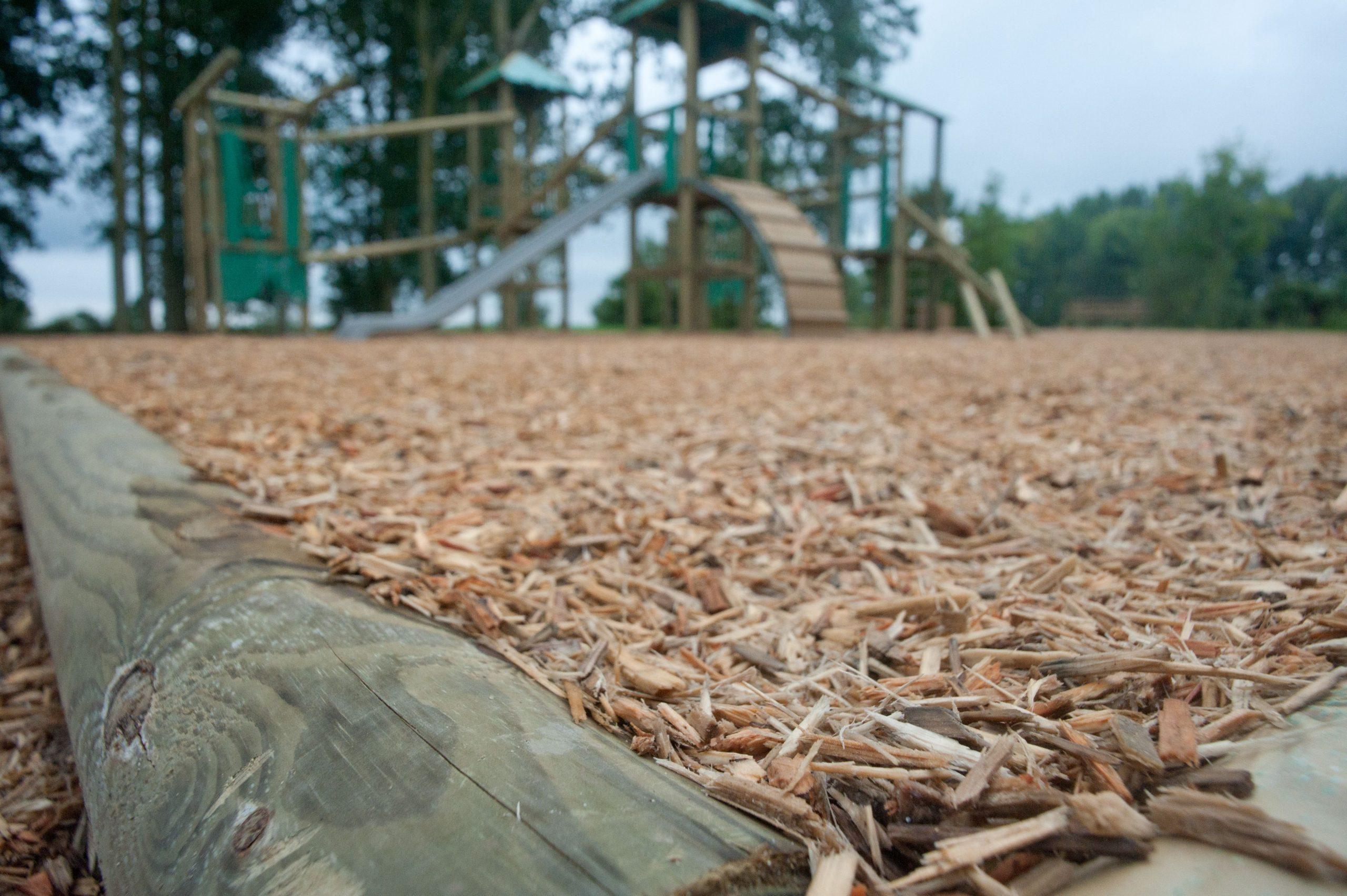 Le Mulsh Est Ni Plus Ni Moins Que Des Copeau De Bois. Une ... concernant Copeaux De Bois Pour Jardin