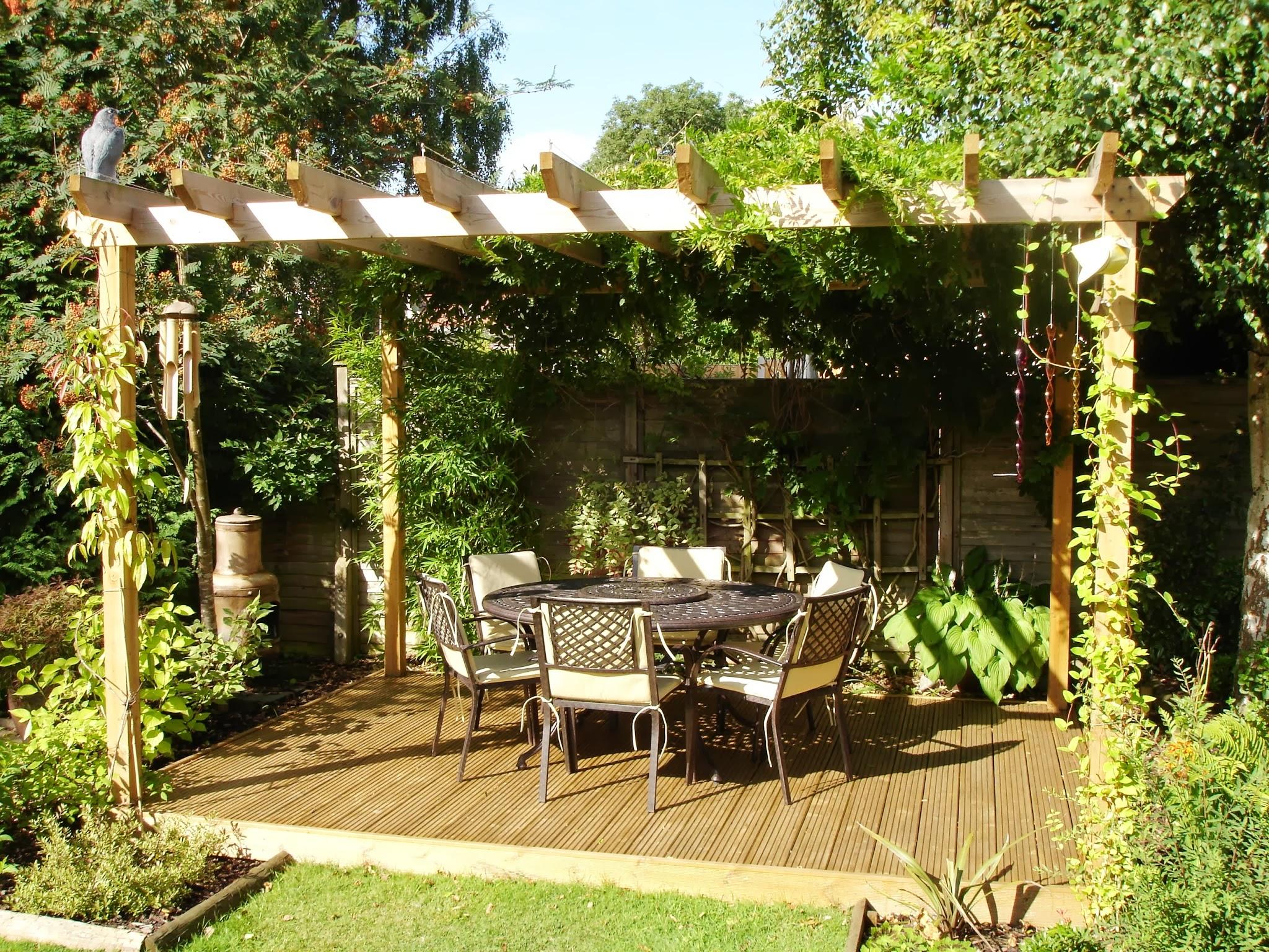 Le Printemps, La Saison Idéale Pour Réaménager Son Jardin concernant Decoration De Jardin En Fer Forgé