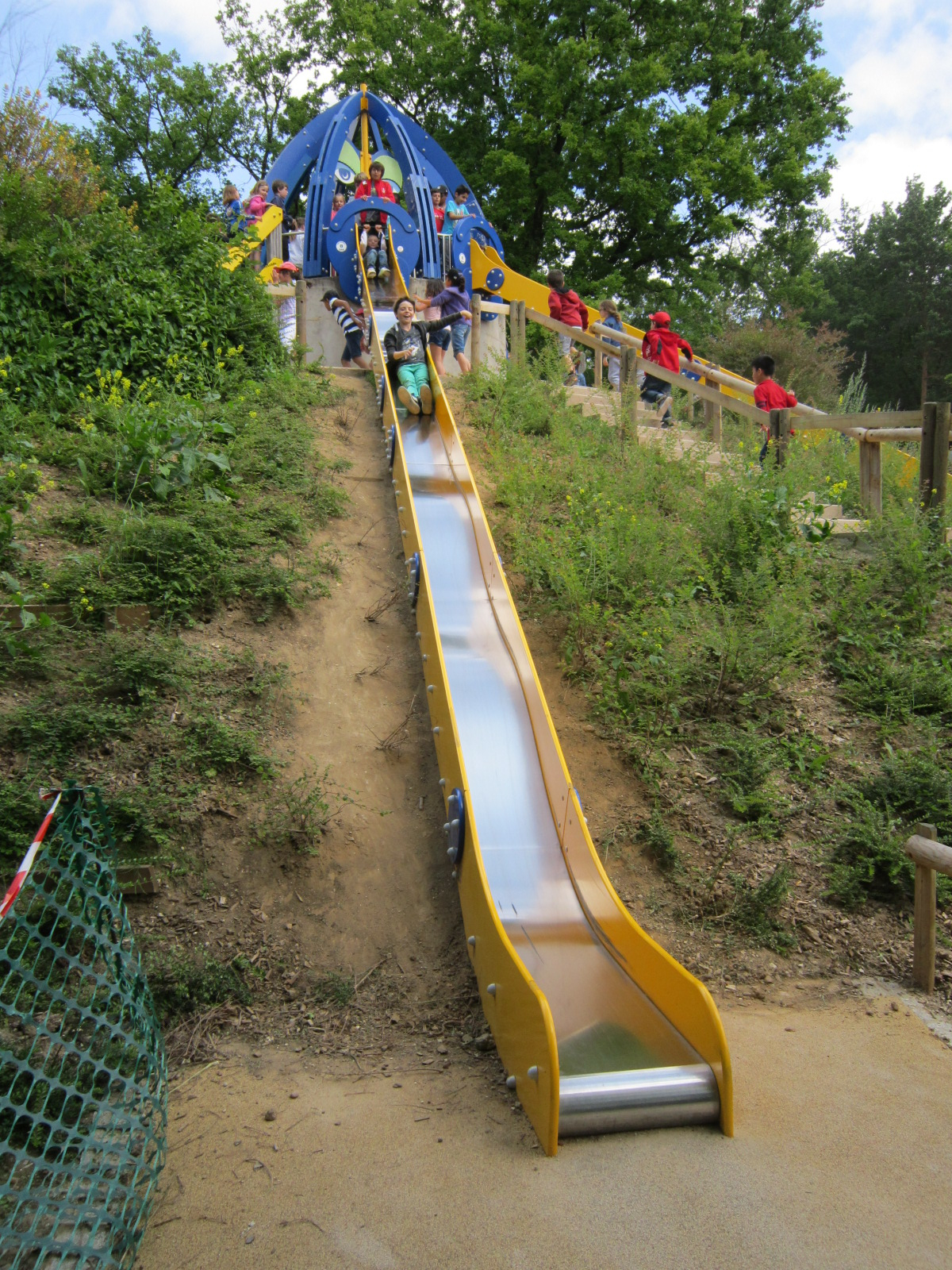 Le Toboggan (Mayeul Et Hugo) - Le Blog De L'école De Contay concernant Grand Toboggan Jardin