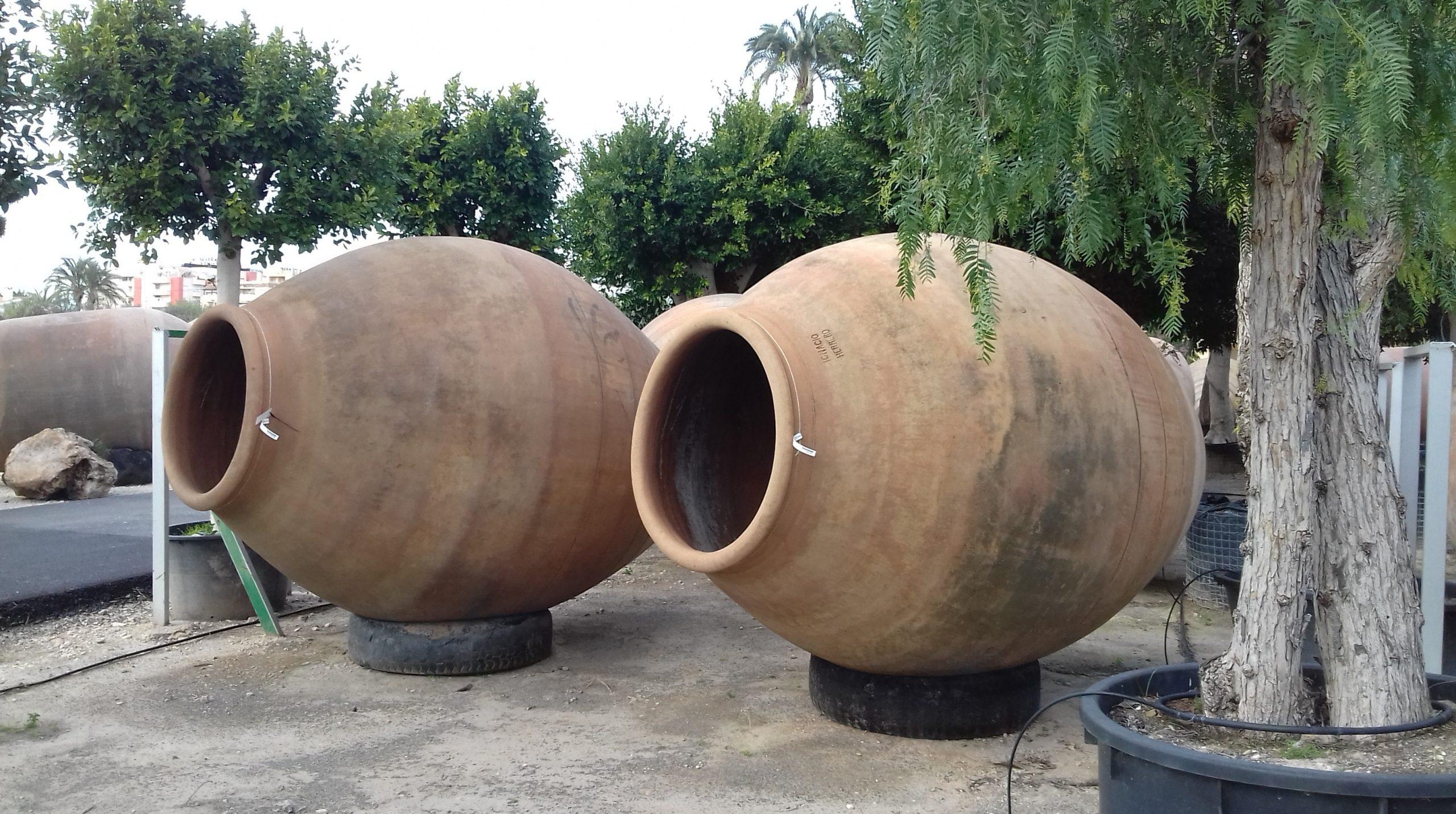 Les Amphores Jardin - Viveros Valero E Hijos Sl encequiconcerne Amphore De Jardin