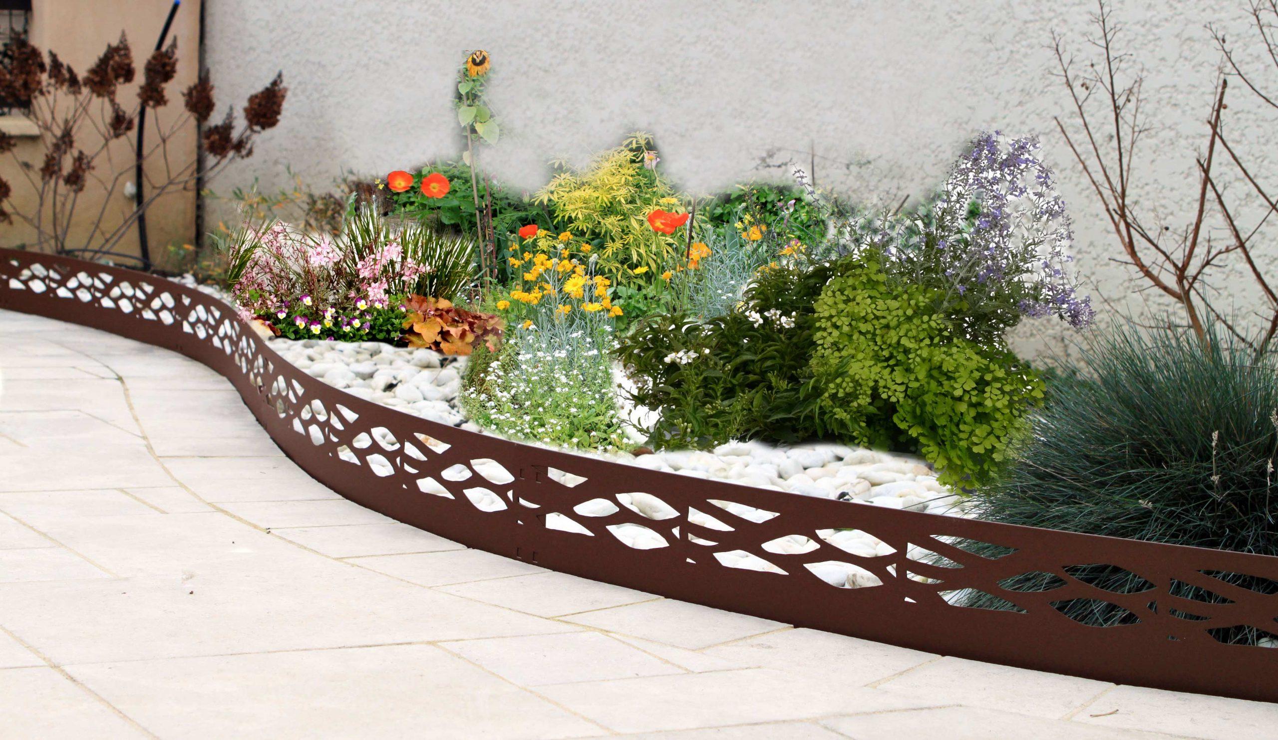 Les Conseils Pratiques De Jardin Et Saisons Pour Installer ... avec Bordure De Jardin En Acier Galvanisé