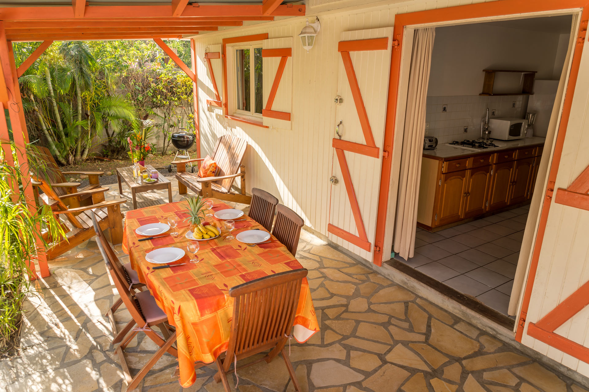 Les Jardins De Pointe Noire : Location Gîte Ixora + Piscine ... tout Bungalow De Jardin Design