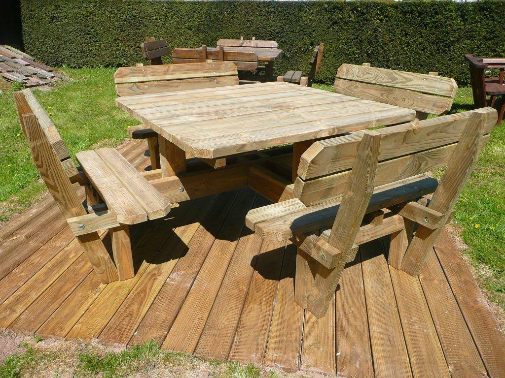 Les Tables - Sarl Sciebois encequiconcerne Table De Jardin En Bois Avec Banc Integre