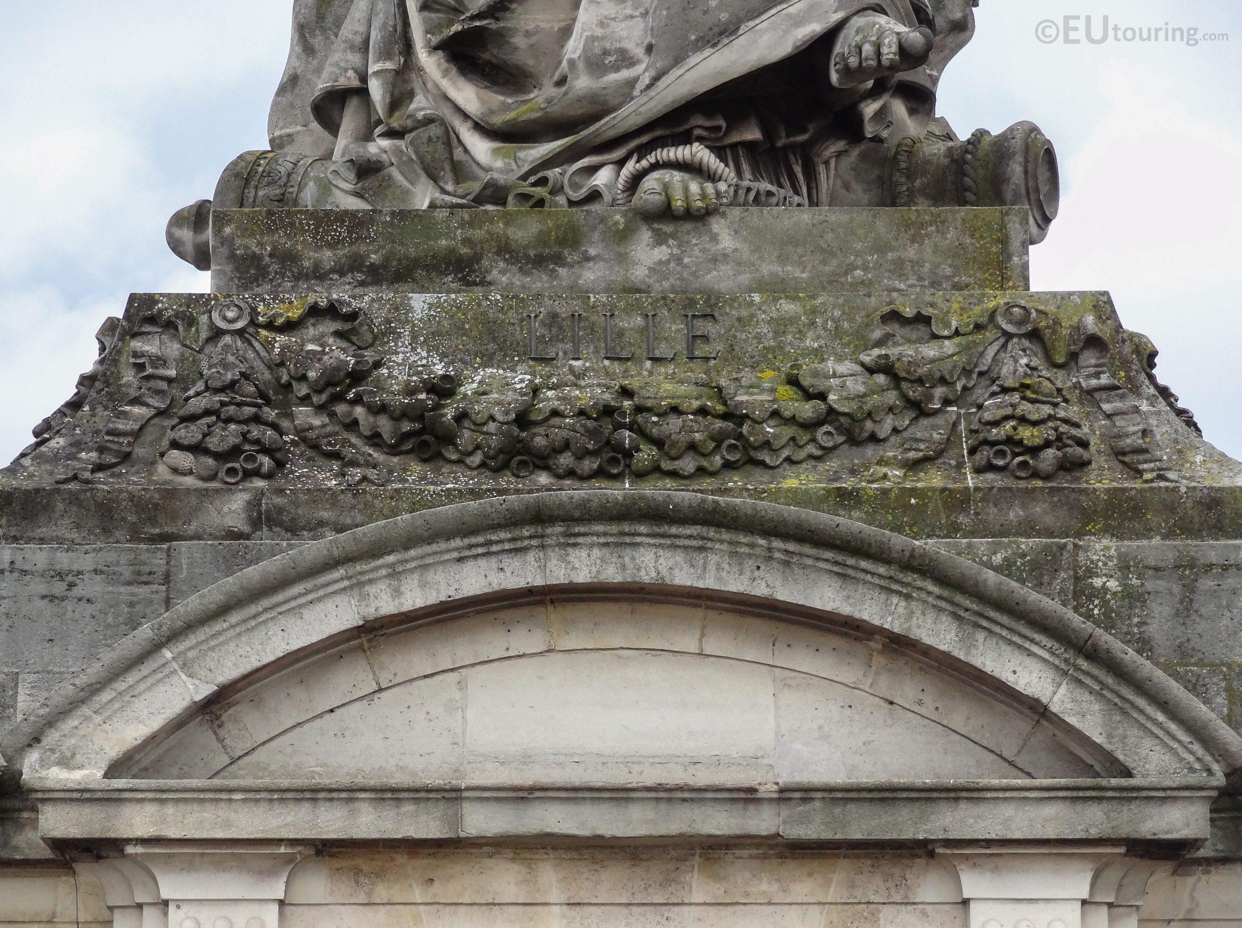 Lille Statue Inside Place De La Concorde - Page 1037 concernant Statues De Jardin Occasion