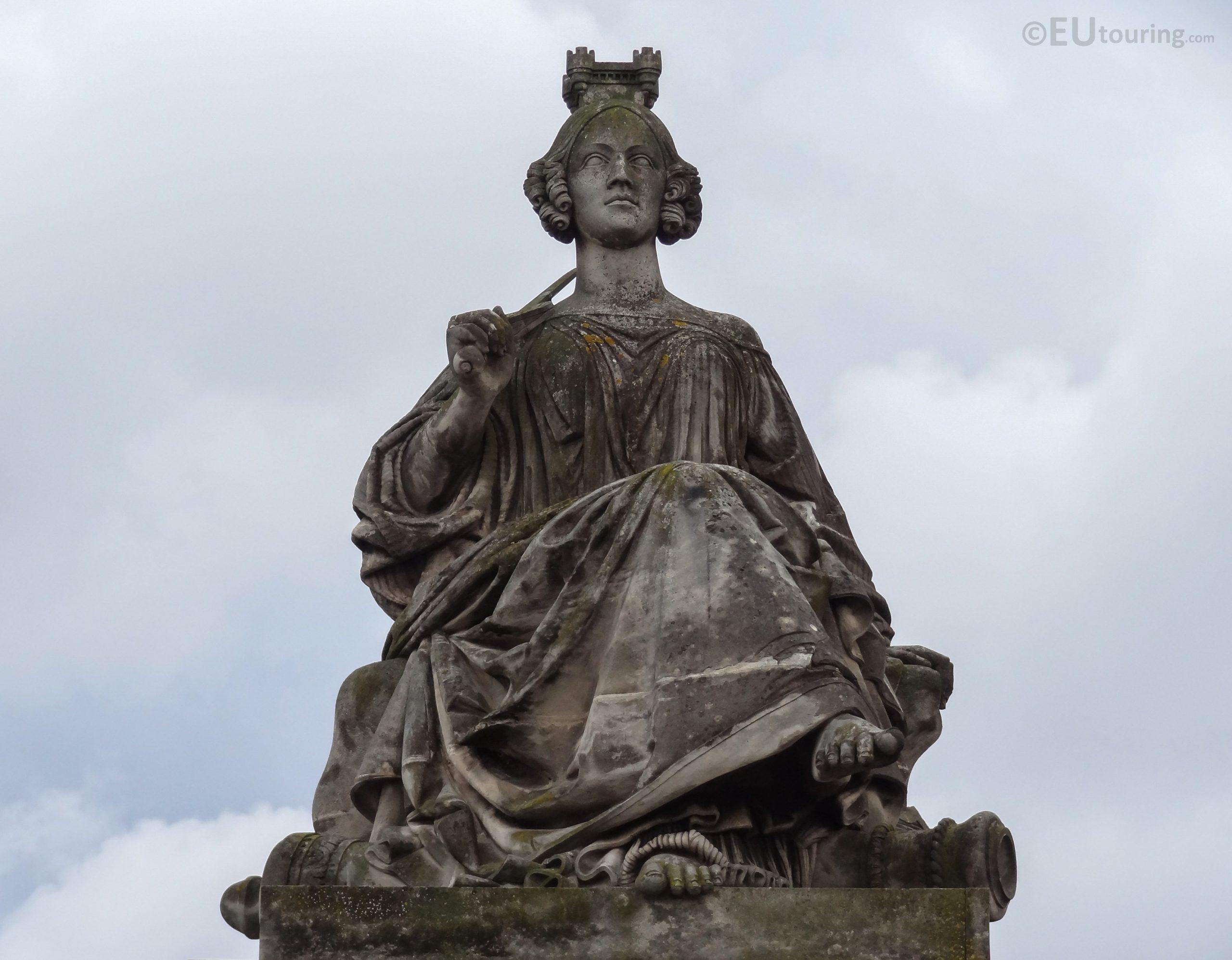 Lille Statue Inside Place De La Concorde - Page 1037 dedans Statue De Jardin D Occasion