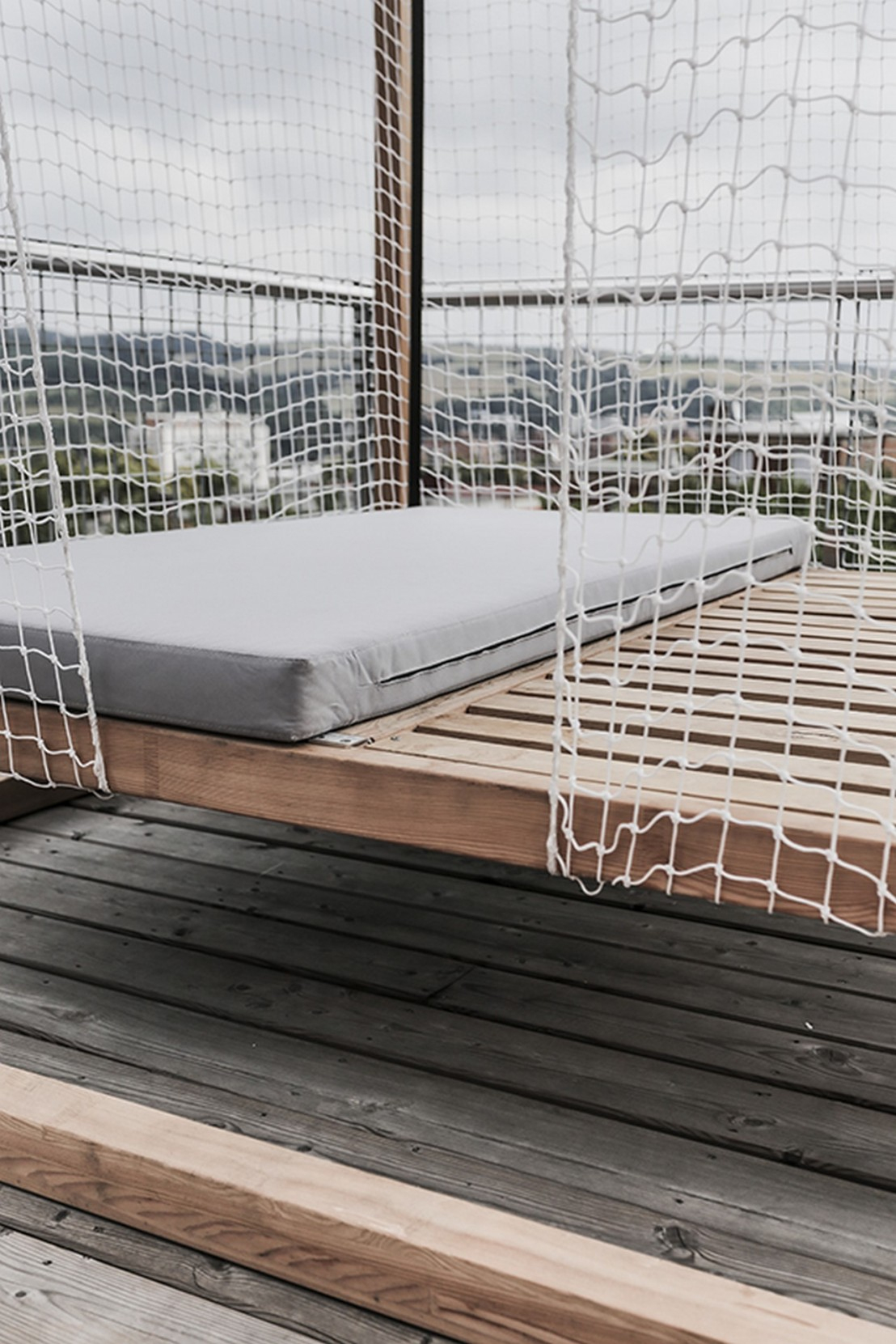 Lit De Jardin Hamac Suspendu En Cage Leva : Mobilier De ... à Lit Suspendu Jardin