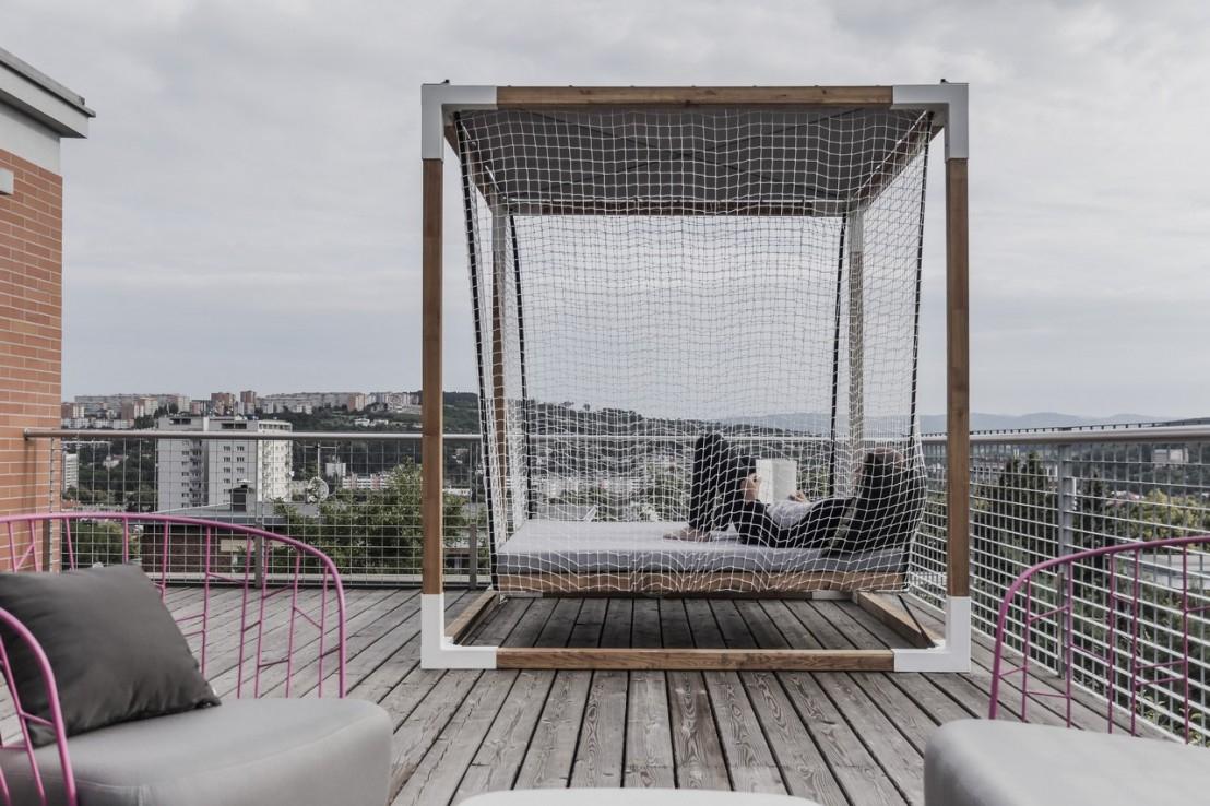 Lit De Jardin Hamac Suspendu En Cage Leva : Mobilier De ... pour Lit Suspendu Jardin