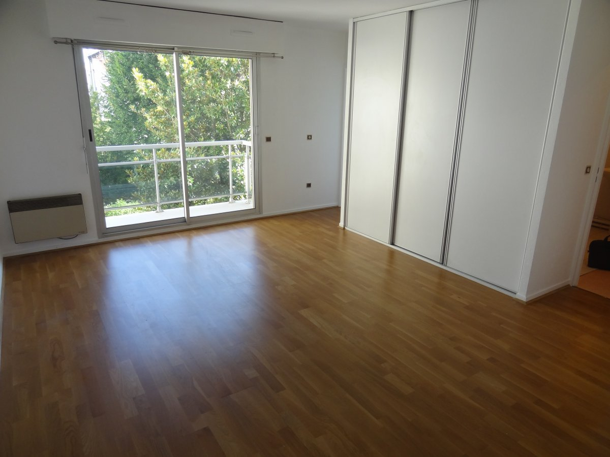 Location Location Hespérides Montrouge 36M² 1 Pièce Studio ... destiné Hespérides Salon De Jardin
