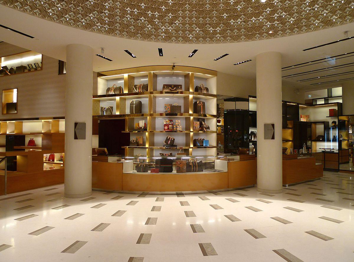 Louis Vuitton - Wikipedia à Location Maison Avec Jardin 34