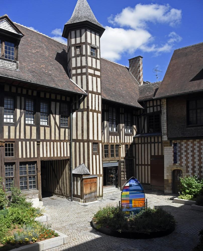 Maison De L'outil Et De La Pensée Ouvrière À Troyes - Aube ... tout Range Outils De Jardin