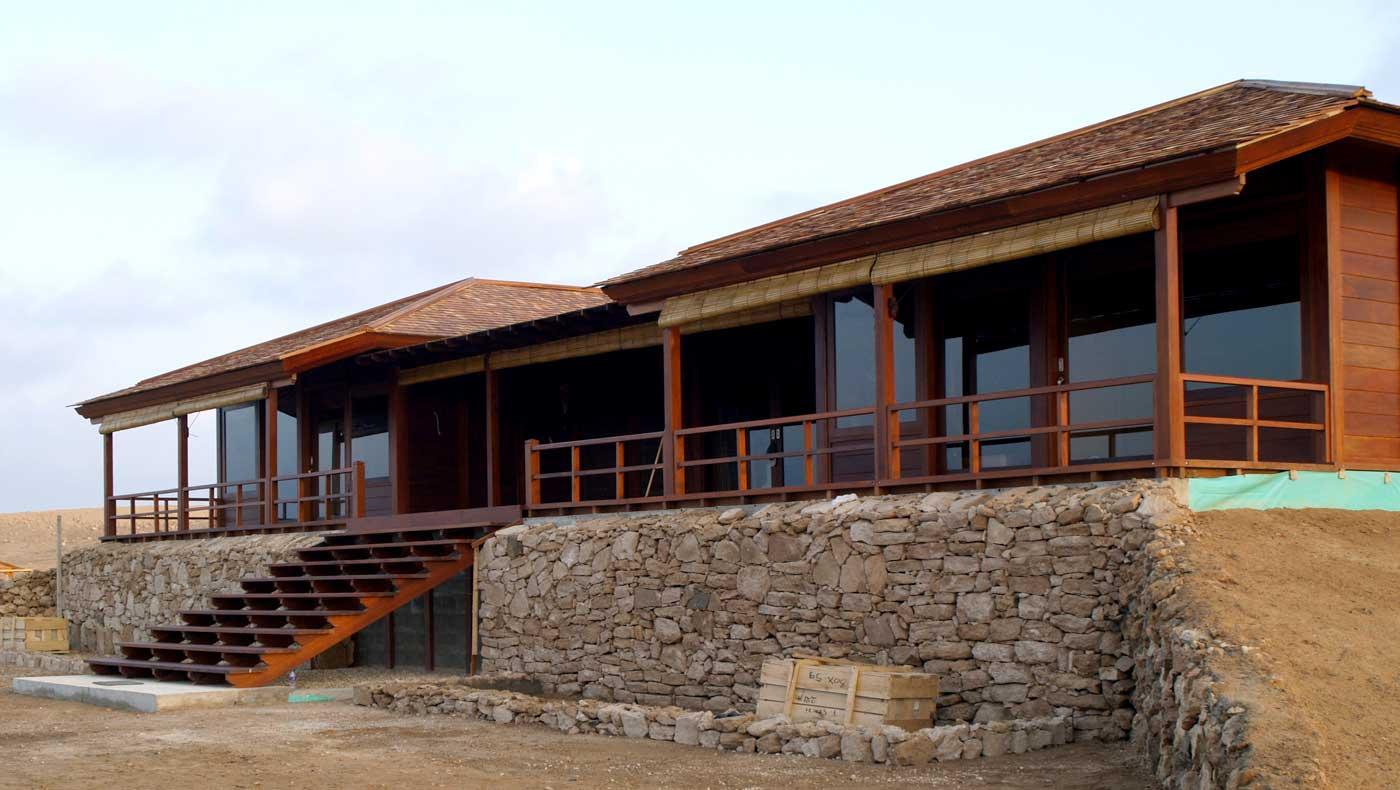 Maisons Bois En Kit - Mobiteck : Constructeur De Maisons En Teck destiné Construire Un Abri De Jardin En Bois Soi Meme