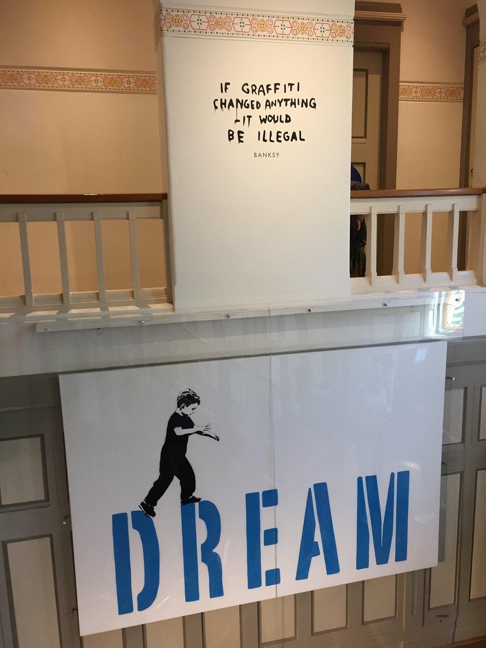 Moco Museum - Amsterdam - Moco Museum Yorumları - Tripadvisor encequiconcerne Salon De Jardin Casino
