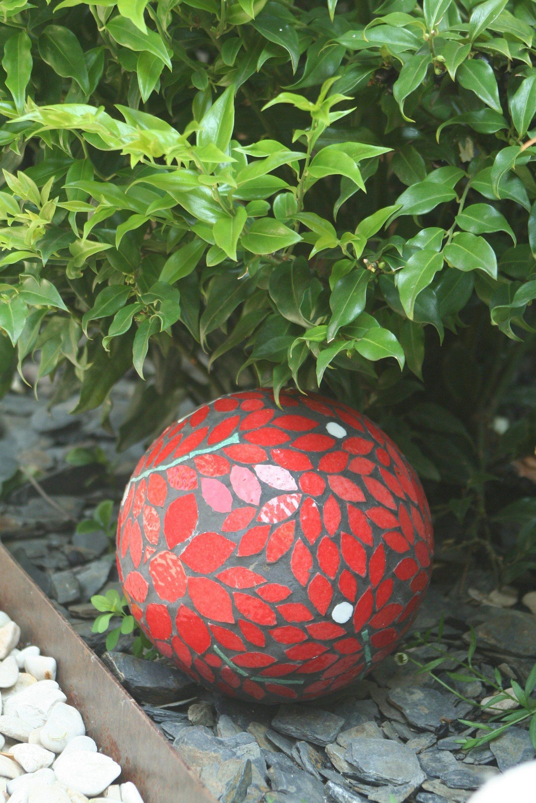 Mosaic Sphere | Globe Jardin, Deco Beton Et Déco Jardin intérieur Boule Deco Jardin