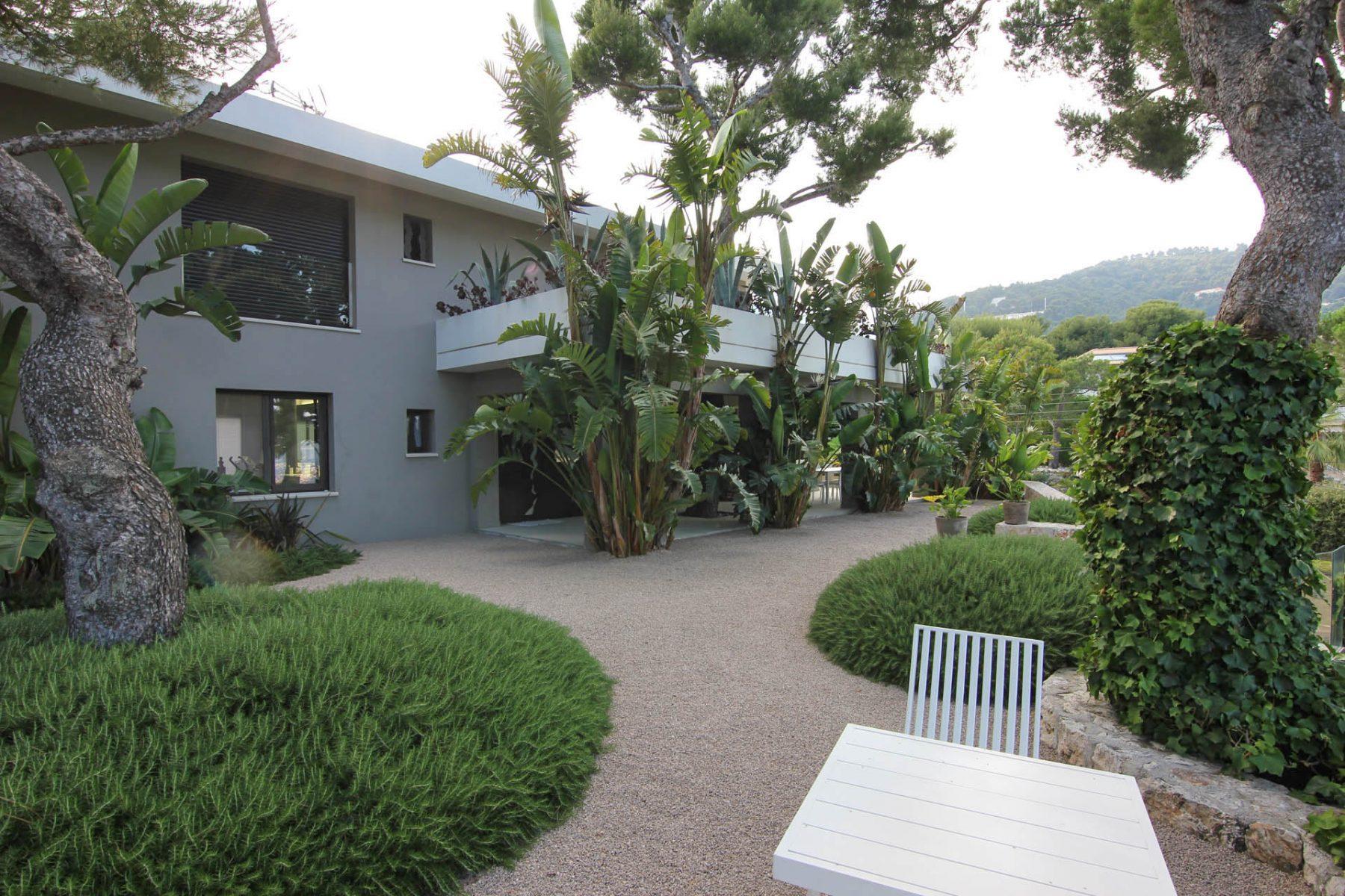Narmino Jardins, A Versatile Company For Your Green Spaces ... encequiconcerne Les Jardins Des Villas