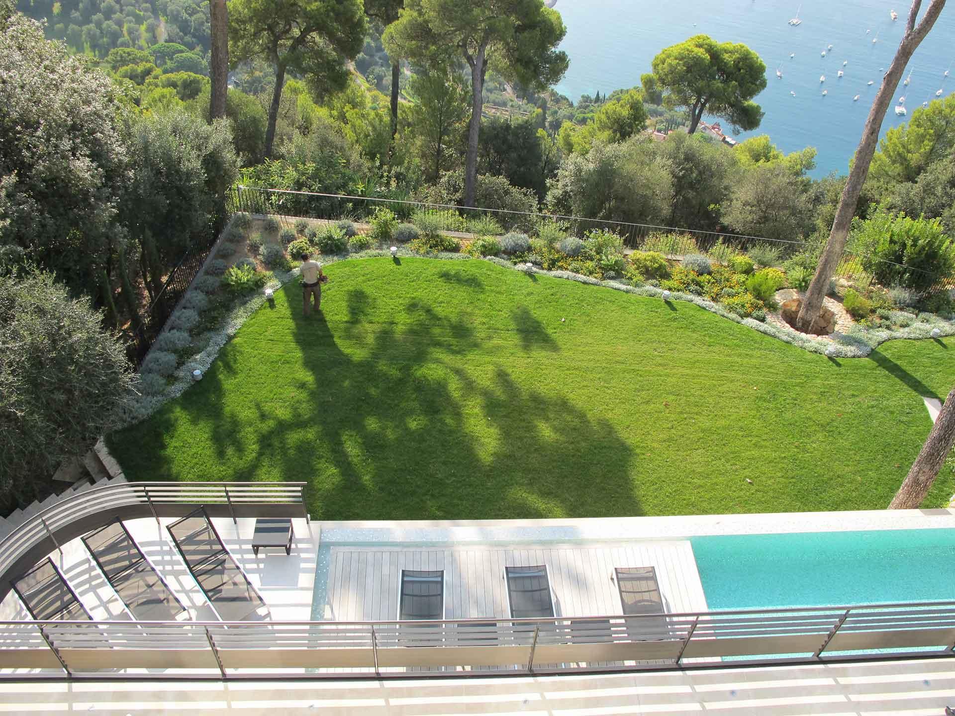 Narmino Jardins - Création Et Entretien De Jardins À Monaco ... pour Amenagement Jardin Avec Graminees