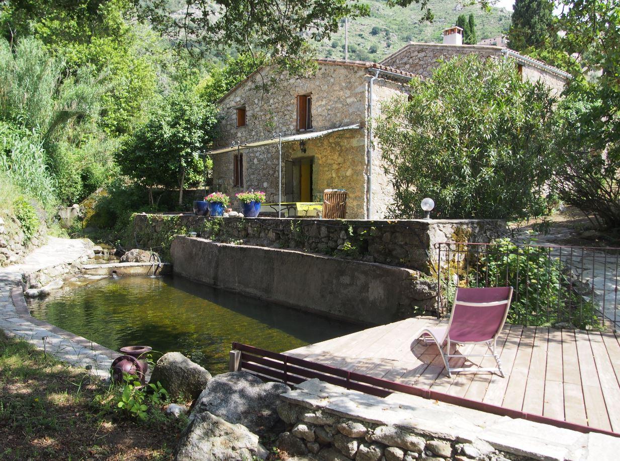 Nessa : Moulin En Pierre De 155 M² Sur Jardin Arboré De 2500 ... intérieur Moulin De Jardin A Vendre