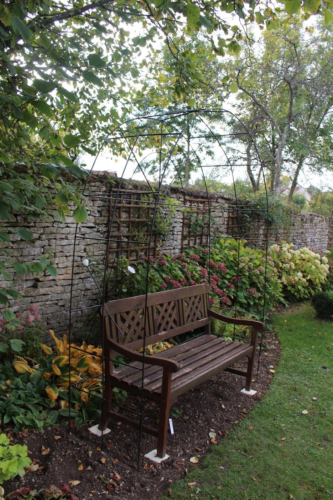 Notre Jardin Secret.: Une Arche En Fer À Béton avec Arche De Jardin En Fer