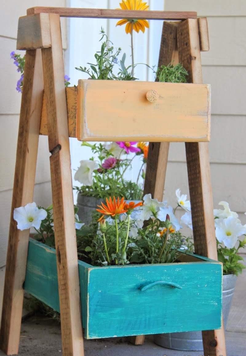 Objets De Récupération En Décoration- L'art D'embellir Le ... pour Astuce Deco Jardin Recup