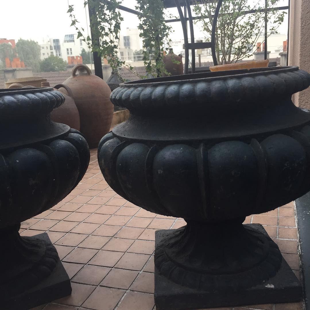 """Objets Déco On Instagram: """"Paire De Vases En Fonte Xixe ... destiné Pot En Fonte Pour Jardin"""