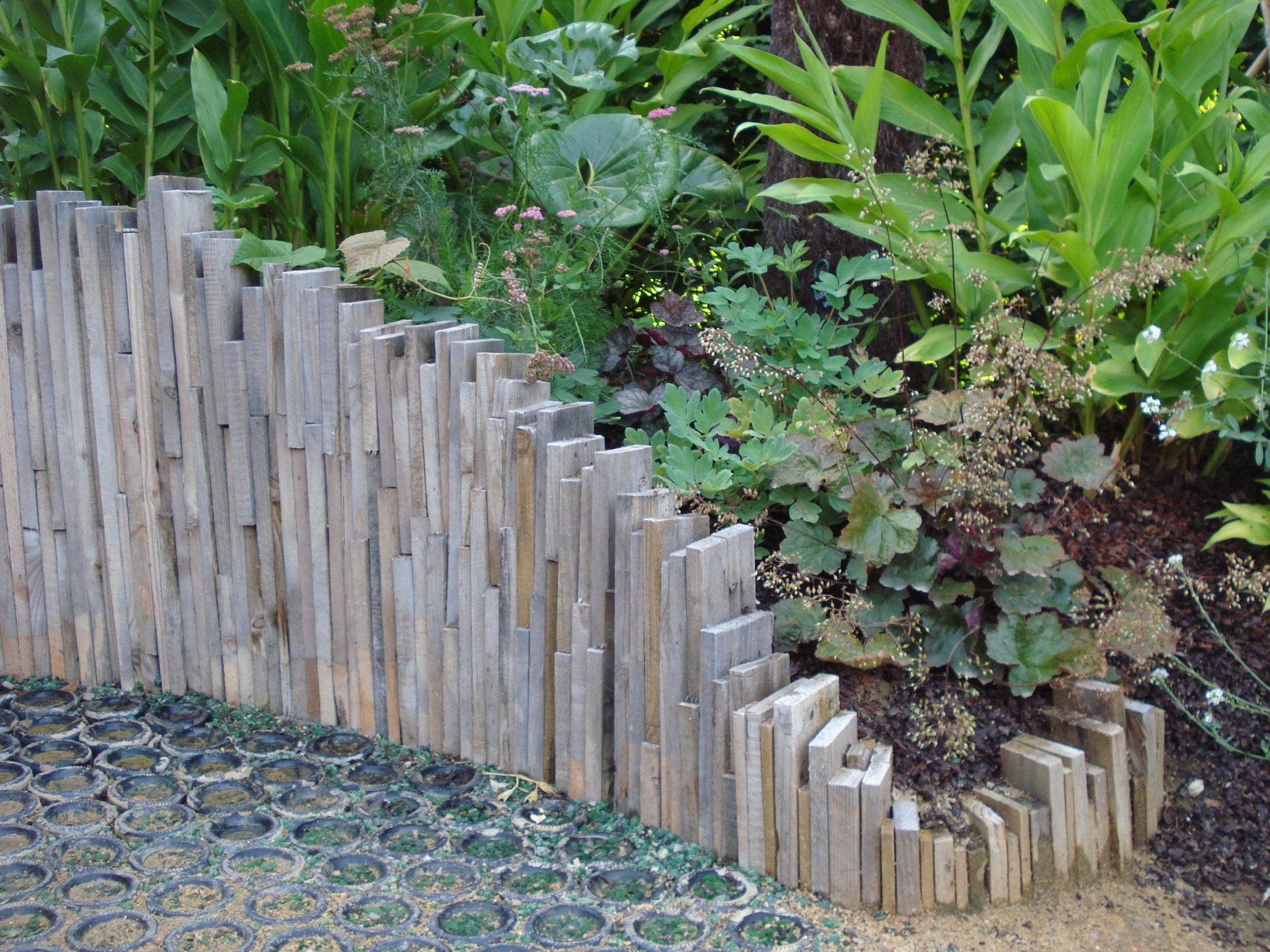 Originale Bordure | Bordure Jardin, Idées Jardin, Déco Jardin à Bordure De Jardin En Palette