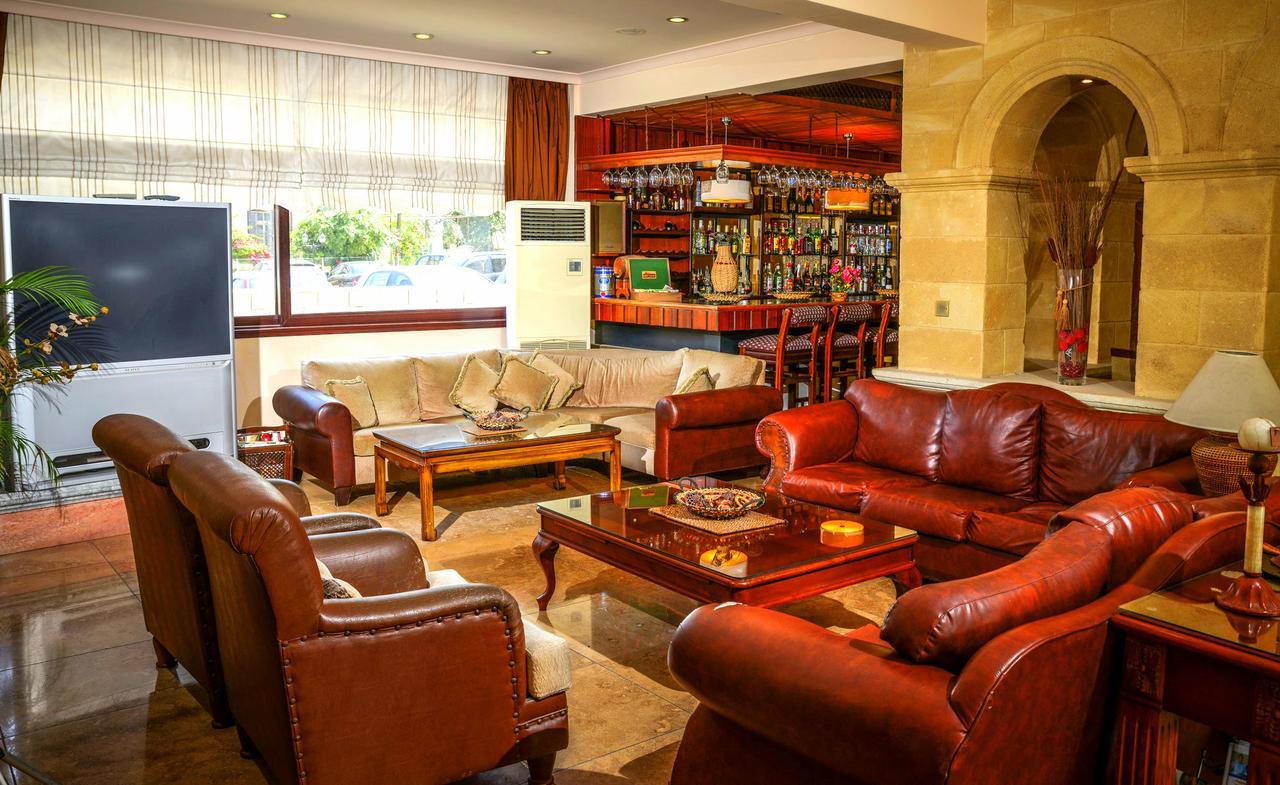 Otel Anadol By The Harbour (Kıbrıs Girne) - Booking à Salon De Jardin Casino