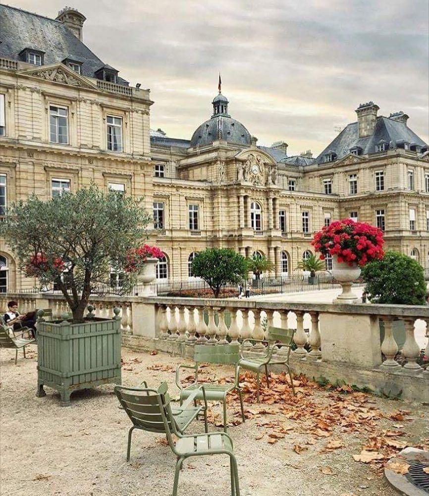 """Ouiouijespeakfranglais™ On Instagram: """"📍jardin Du ... intérieur Jardin De Luxembourg Hotel"""