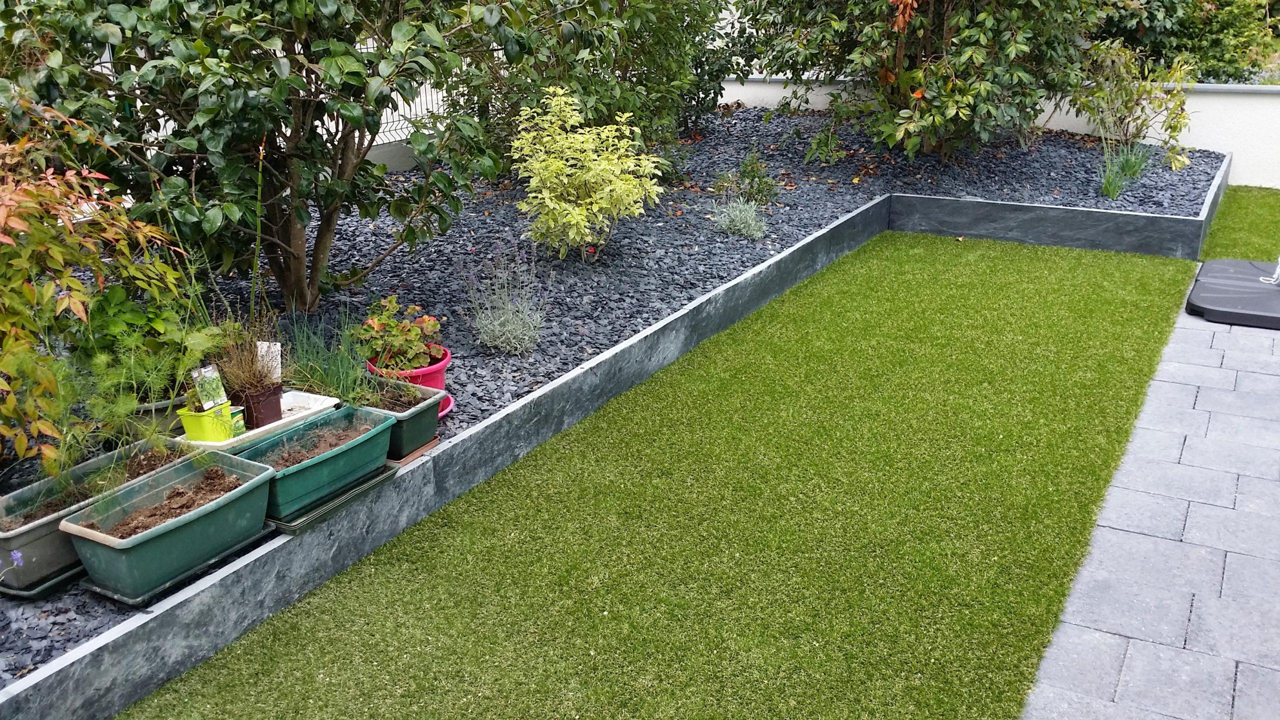 Paillage En Ardoises Décoratives Par Côté Déco destiné Ardoise Deco Jardin