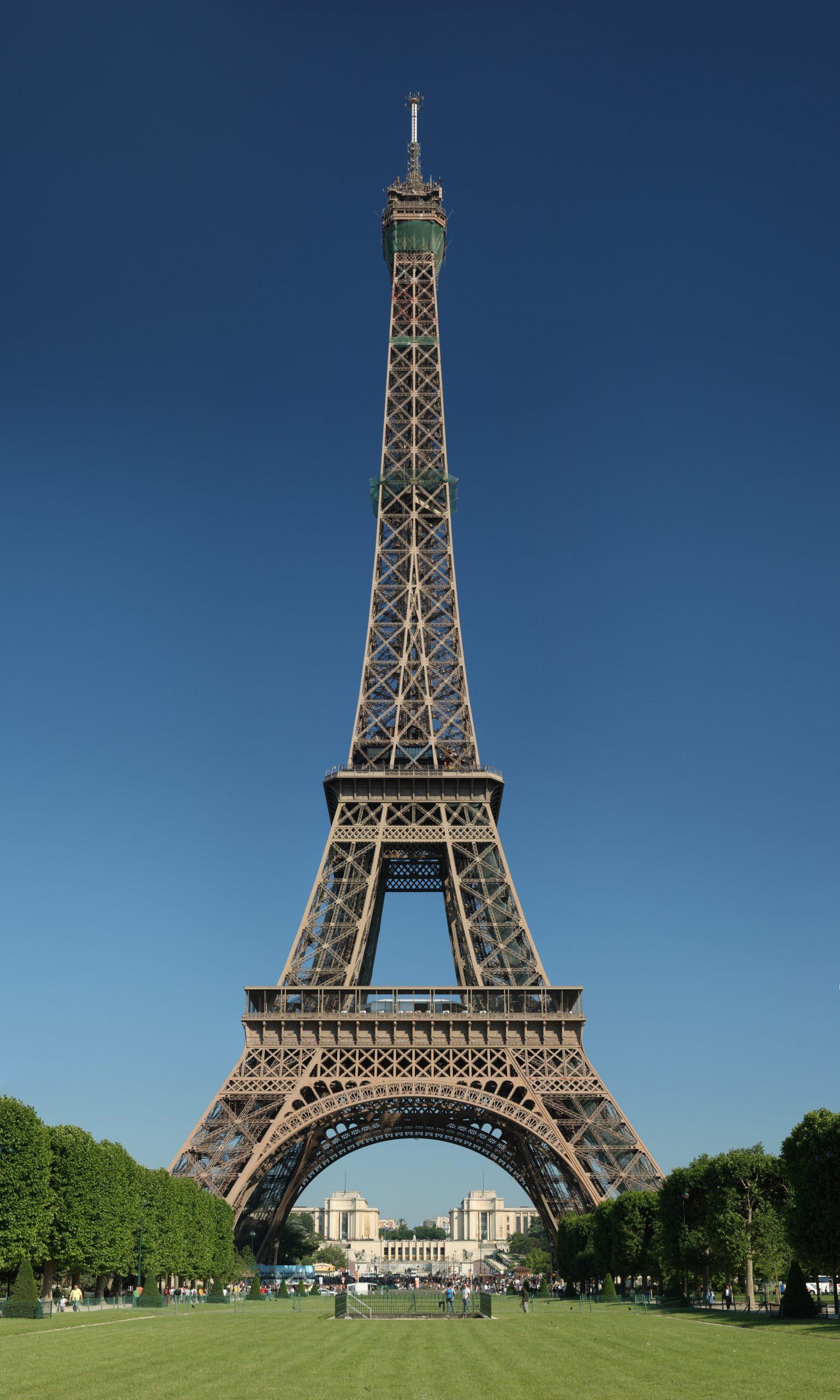 Paris - Vikipedi à Salon De Jardin Aluminium 8 Places
