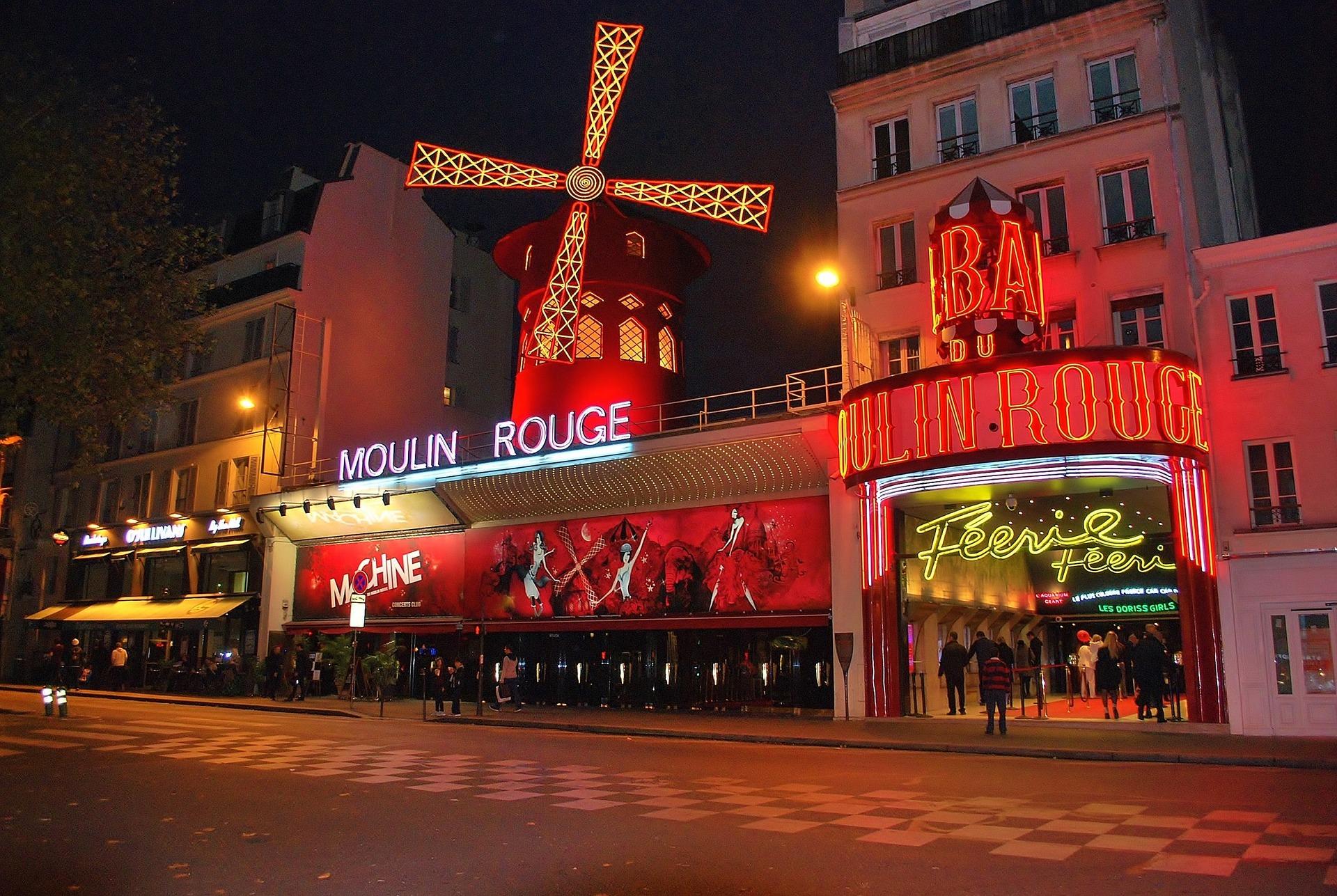 Paris'te Mutlaka Görülmesi Gereken 14 Yer – Herbilet Blog encequiconcerne Salon De Jardin Rouge