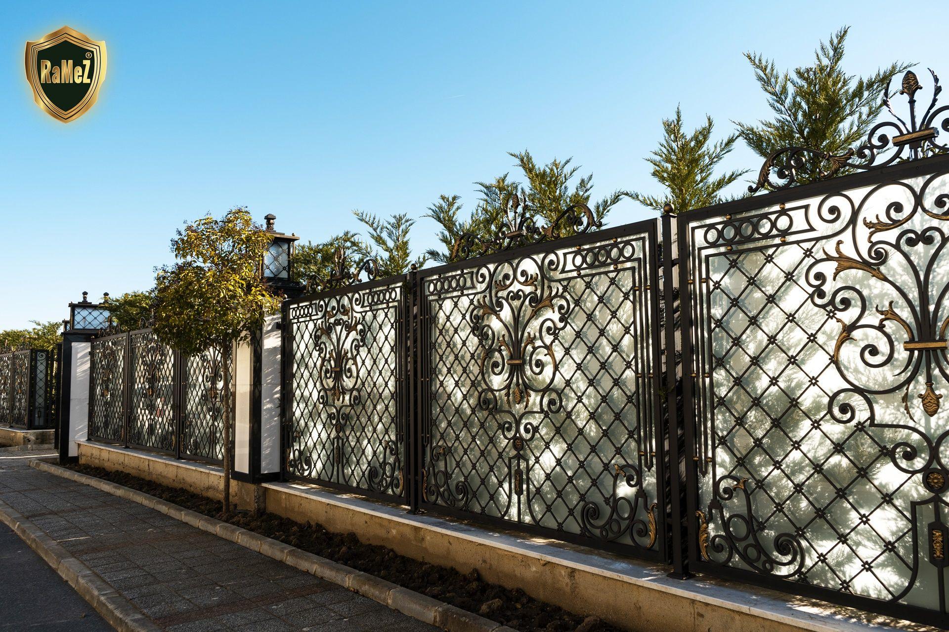 Pelican Hill Ferforje Modellerimiz Wrought Iron Garden Gates ... destiné Balustrade De Jardin