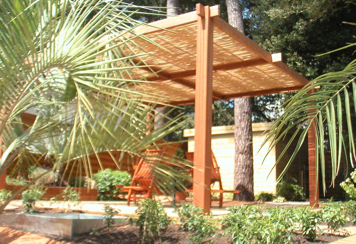 Pergola Design Bois Et Bambou | Pergola, Jardin Contemporain intérieur Abri Jardin Bambou