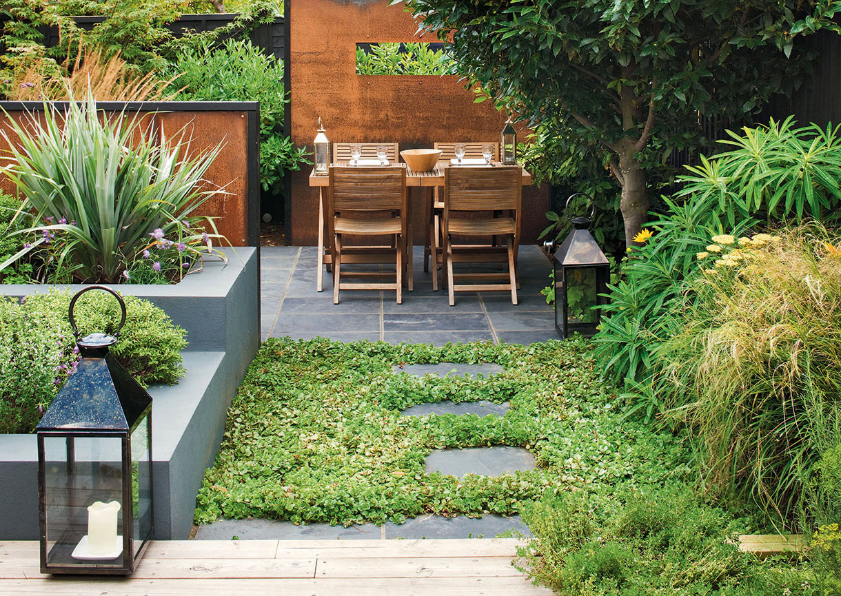 Petit Jardin Potager Petit Jardin Le Guide D'aménagement ... concernant Aménagement De Petit Jardin