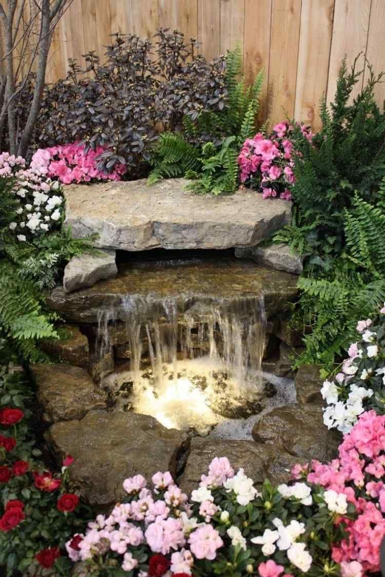 Petite Cascade De Jardin Pour Embellir L'espace Extérieur ... à Petite Fontaine De Jardin