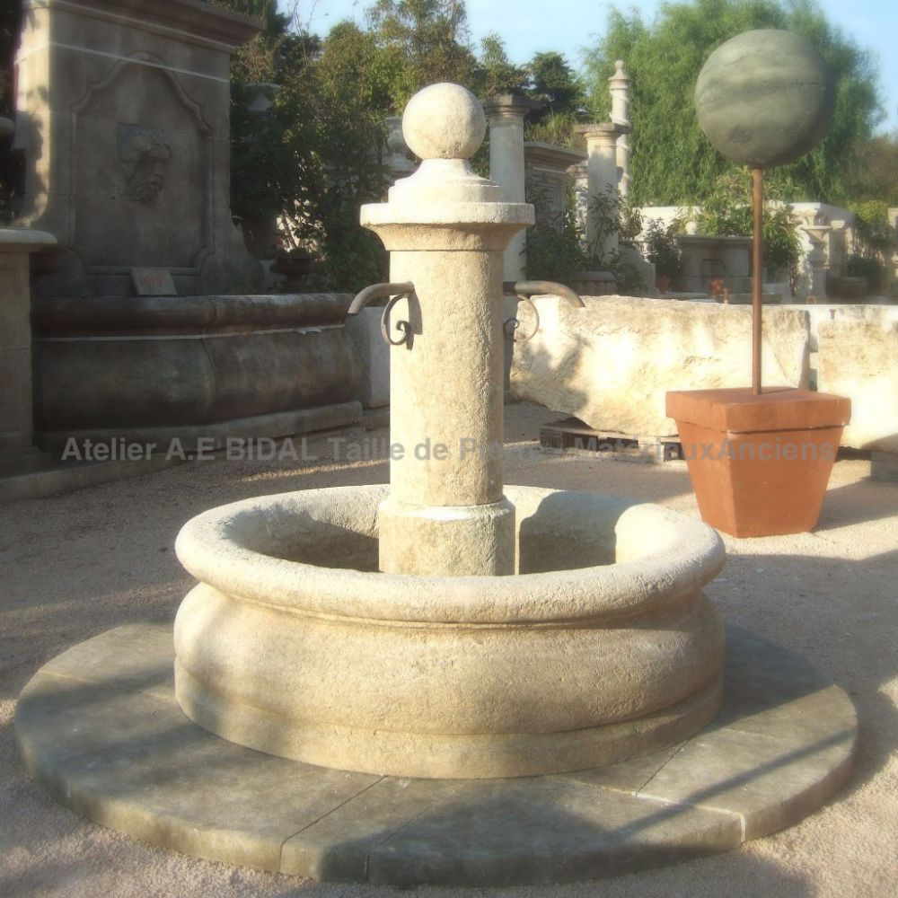 Petite Fontaine De Jardin Ronde En Pierre - Fontaine ... tout Petite Fontaine De Jardin