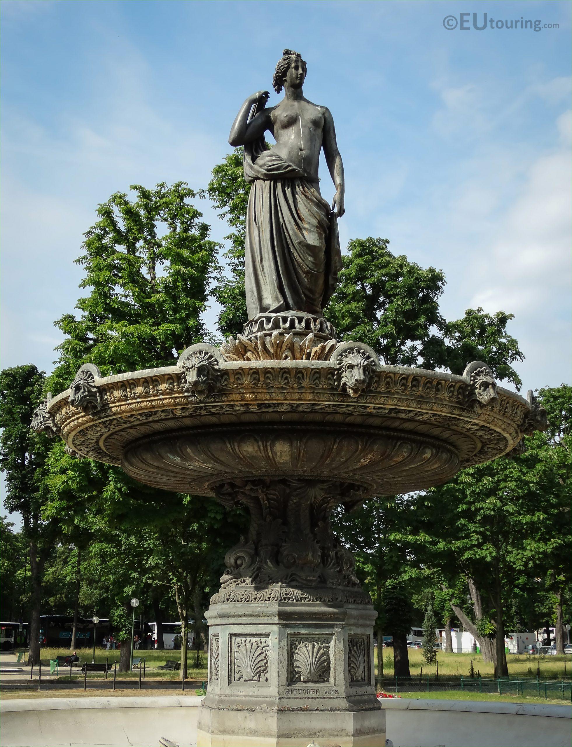 Photos Of Diane Chasseresse Statue On Fontaine De Diane ... concernant Statue Fontaine De Jardin