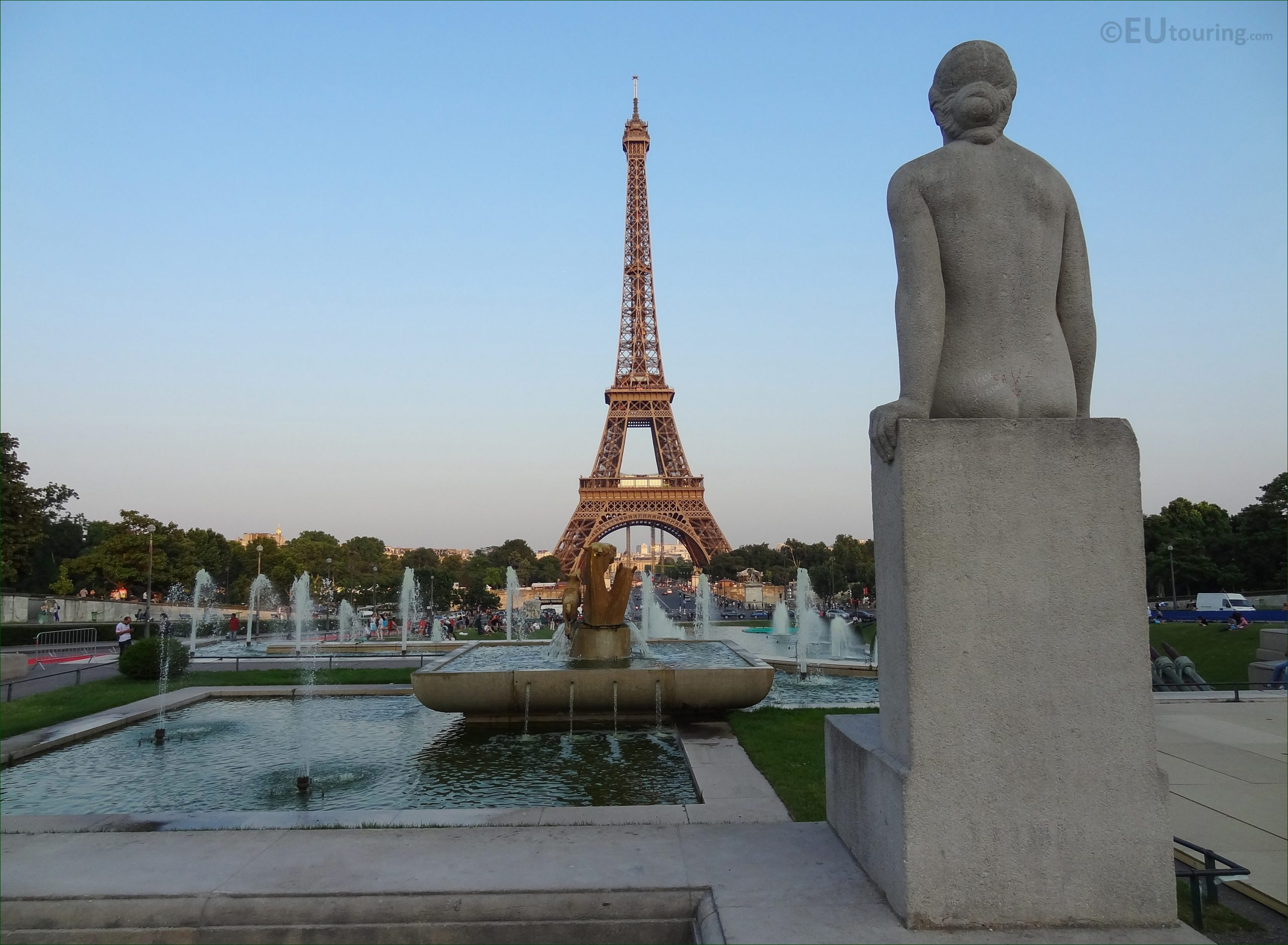 Photos Of Jardins Du Trocadero Water Fountains - Page 2 dedans Statues De Jardin Occasion