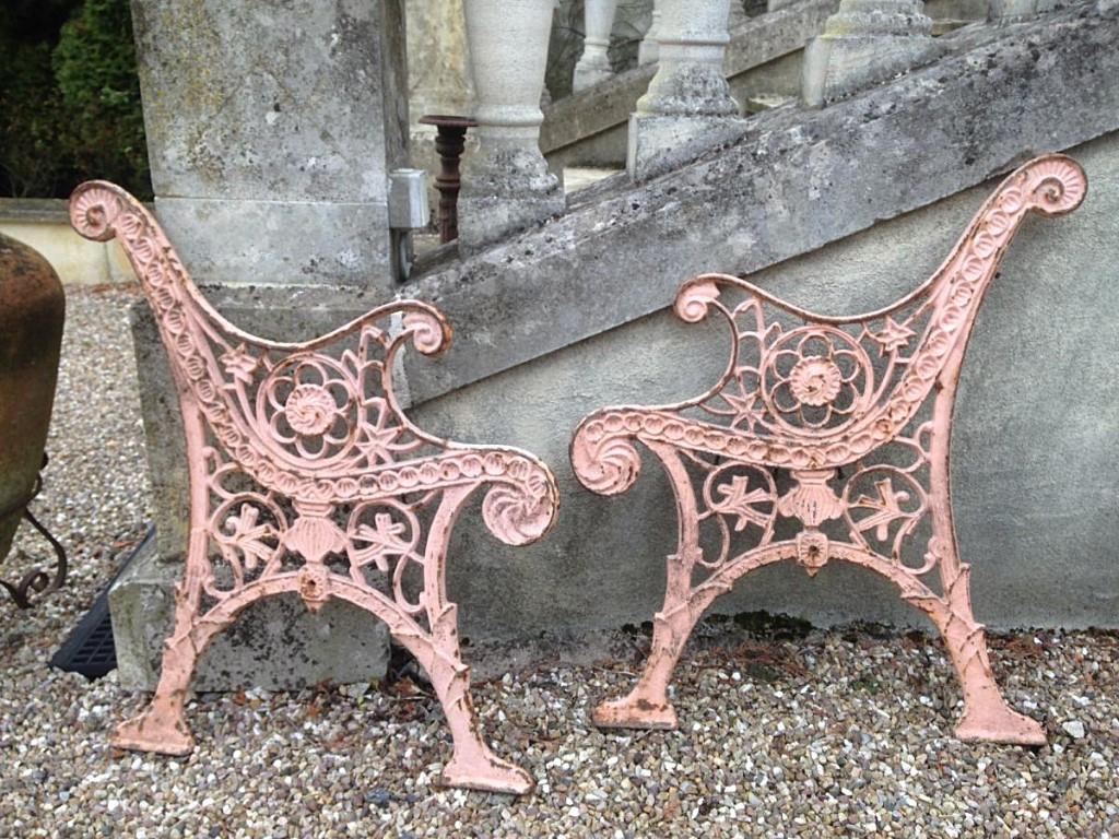 Pieds De Banc De Jardin En Fonte Xixe - Antiquités Du Jardin ... destiné Salon De Jardin En Fonte Ancien
