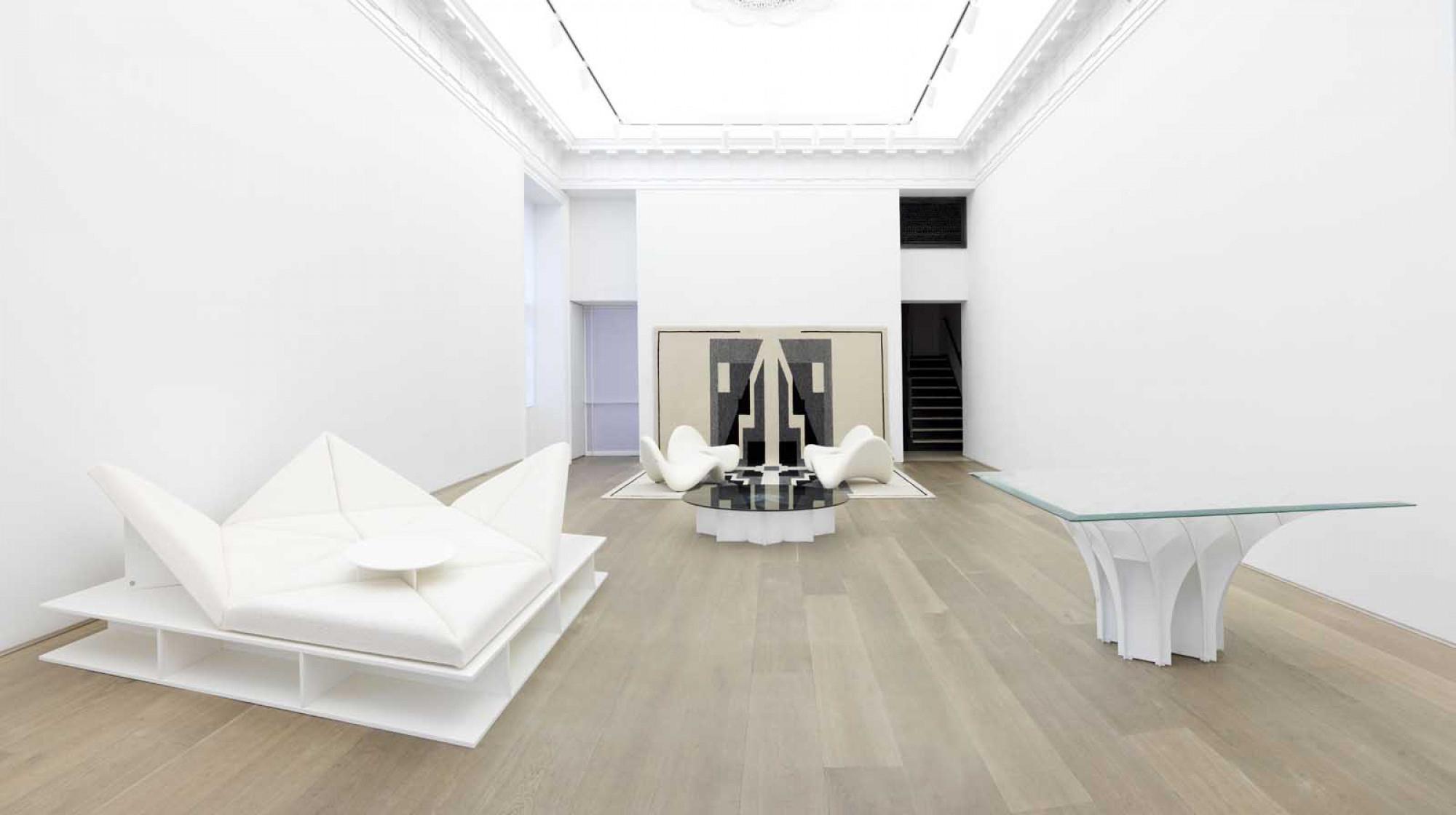 Pierre Paulin - Contemporary Art Exhibition avec Salon De Jardin En Pierre