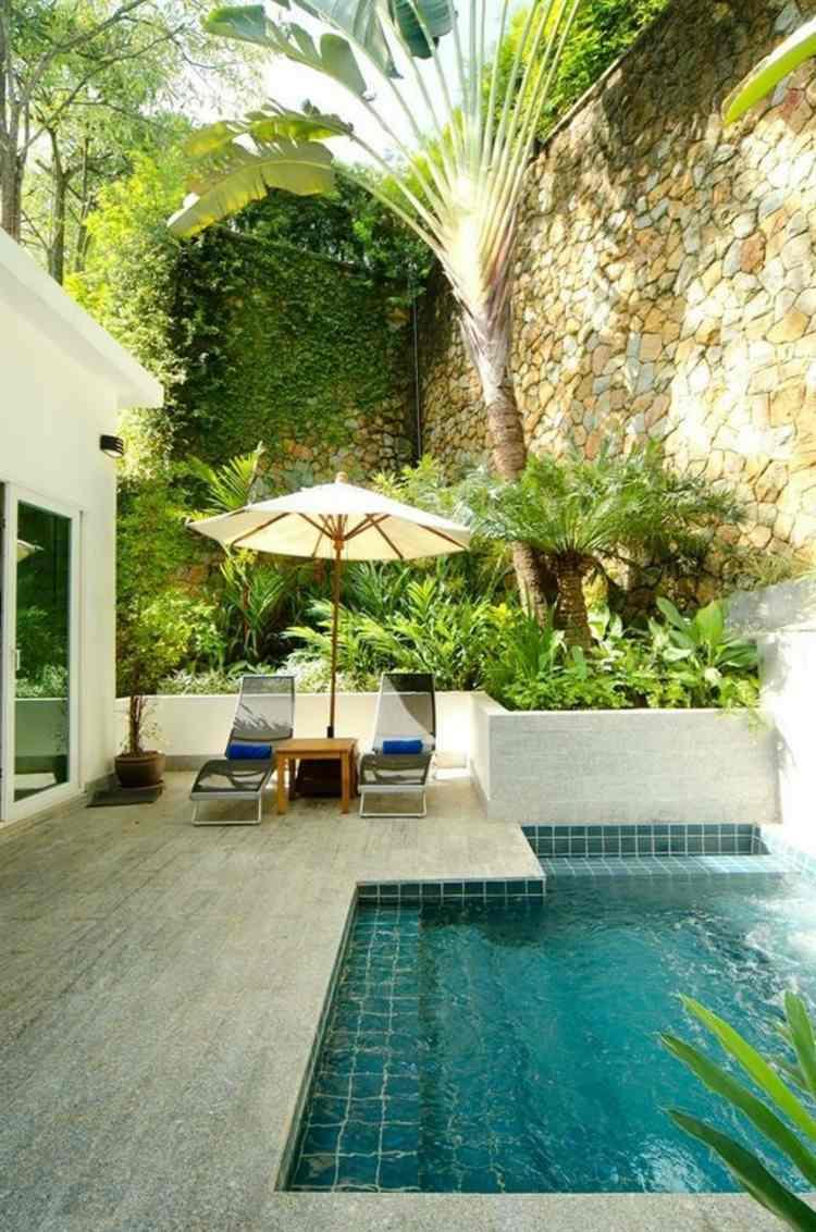 Piscine Pour Petit Jardin – 20 Designs Contemporains Et Peu ... tout Jardin Avec Galets Blancs